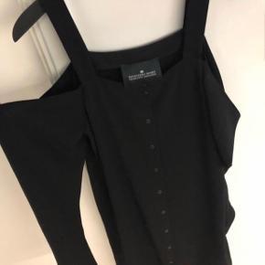 Model: Wake Strap Dress Nypris kr. 1.500 Brugt 1 gang til bryllup.