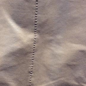 Ckn of Scandinavia Anden overdel, Næsten som ny. Skovlunde - Ruskinds jakke. Ckn of Scandinavia Anden overdel, Skovlunde. Næsten som ny, Brugt og vasket et par gange men uden mærker eller skader