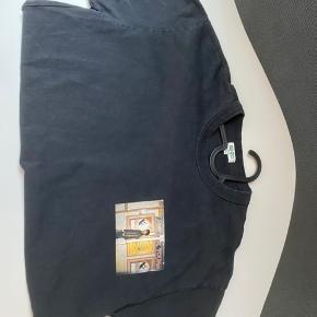 Kenzo trøje med print på brystet Cond 7/10 Har kvit