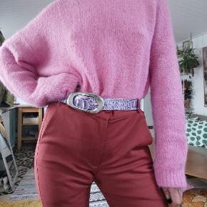 Flotte mørkerøde bukser fra Inwear i str 36. Kun brugt få gange. Perfekte bukser til foråret. Nypris 800