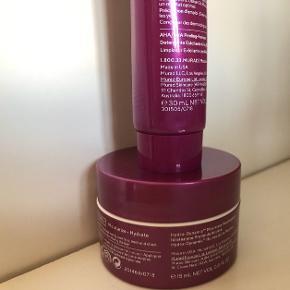 • Murad Hydro-Dynamic Ultimate  Moisture 50 ml + 15 ml  • Murad Hydration AHA/BHA  Exfoliating Cleanser 30 ml