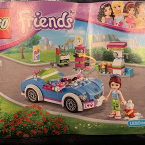 2 sæt LEGO Friends med biler. Prisen er for beggeSamlet et par gange og ellers ikke brugt