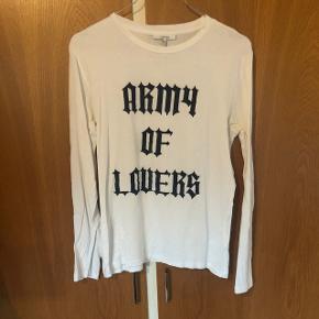 Ganni langærmet t-shirt str L  Huller efter vask - pris sat derefter