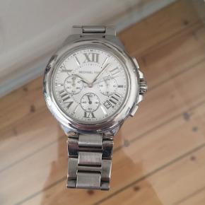 Np 1495,- Uret er købt i New York og er ægte. Har desværre ikke æske til længere.