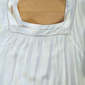 Lækker tynd sommerkjole fra Vila Passes fra str m til xl Brugt få gange uden brugsspor