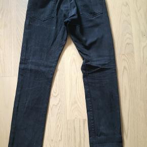Rigtig lækre Ralph Lauren Jeans i str. 30/32! Sælges da jeg ikke kan passe dem længere. Stadig i super fin stand.  Nypris 1000,-
