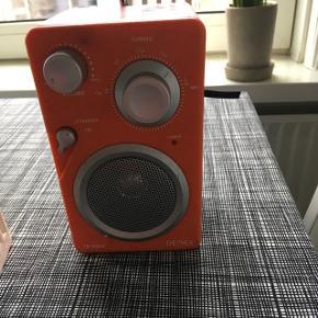 Orange virker fint til batterier og strøm - den skal rengøres - hentes v. Øgadekvarteret i Aalborg