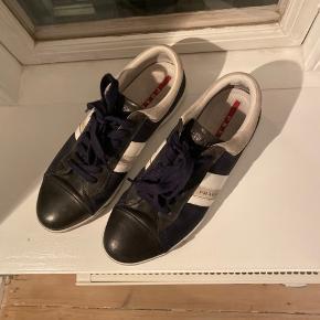 Pæne sneakers fra Prada, brugt få gange