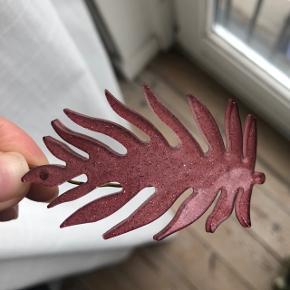 """Super fint bladspænde fra pico i farven """"Old Rose"""" 🌿🌺 Kan afhentes på østerbro eller sendes for 10 kr ekstra."""