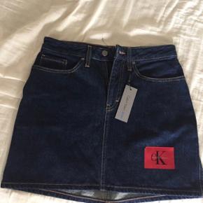 Calvin Klein nederdel