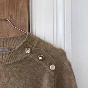 Lækker flot sweater fra hm. Sælges da den ikke bliver brugt🌸🌸