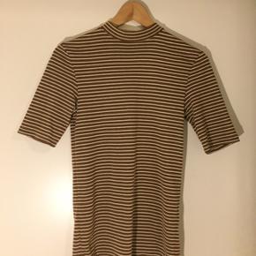 Sød stribet trøje fra Envii. Størrelse S. 😝