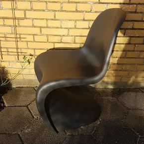 Lækker stol fra Verner Panton med fantastisk siddekomfort.