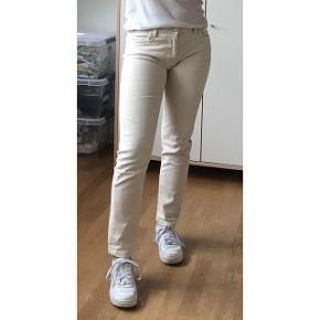 Sælger disse smarte jeans fra Blue Fire CO 🌸 i en størrelse 36 / w28/l29 💫 Fragt: 40,- 📦
