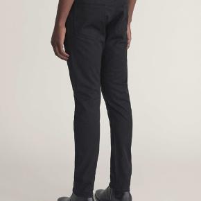 Super fede jeans i str 30/30. Brugt 3-4 gange. De måler 2x39 cm i livet og den indvendige benlængde er 70 cm  Giver gode mængderabatter 🌸
