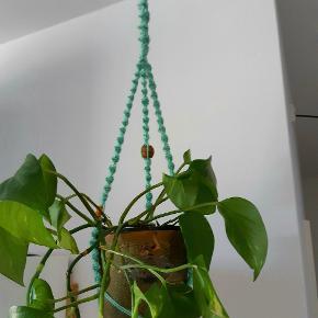 Planteophæng sælges uden potte og plante  Med perler og snoninger