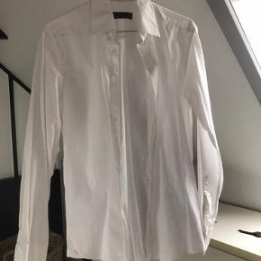J. Lindeberg skjorte