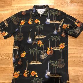 Just Junkies-sæt. Shorts + tshirt/polo