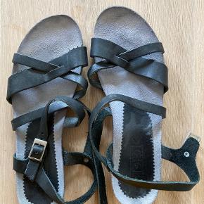 Lbdk sandaler