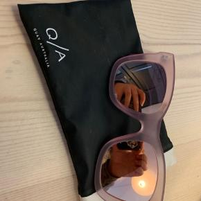 Lækkert oversize par Quay solbriller i stylen After Hours. Originalpris 408 kr.