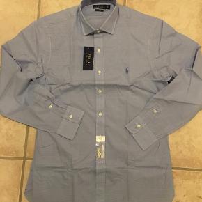 Varetype: Langærmet Farve: Blå Oprindelig købspris: 800 kr.  Super fed skjorte, Slim Fit, blue/White!  Ved TS handel kommer gebyrer oveni :)