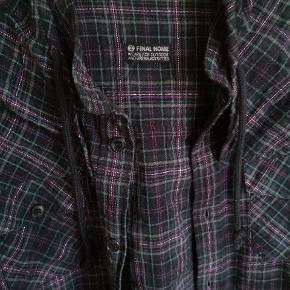 Skjorte med hætte fra japanske FINAL HOME.
