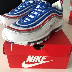 Nike air max 97  Cond - 9.5/10 Str - 44.5  - Villig til at dele fragten