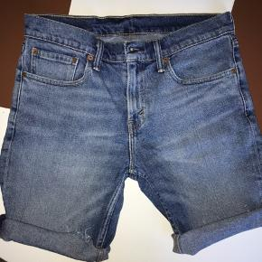 Levis 511 Shorts - str 31 - folderne kan rulles ned