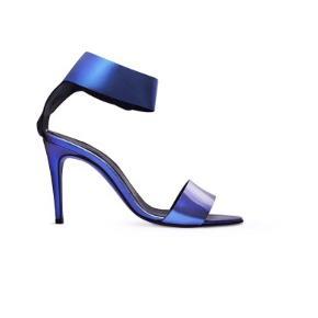 Victoria Semkpeil blå heels str 39. Nypris 4999 sek