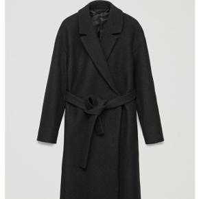 Fineste Cos frakke sælges. Brugt, men så god som ny. Prisen er umiddelbart fast.