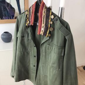 Army jakke fra Peacock Blue / np var 2599,- / np 1000 kr