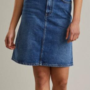 Acne Studios Shadow Mid Blue Denim Skirt  Str. 27
