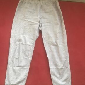 Fine ternede bukser i bomulds satin virkelig fine passer M og L