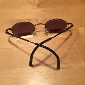 Sælger dette Børnebrillestel fra Budget by Visibilia. Det er som nyt, da det kun har været brugt som solbrille. Der skal skiftes glas, da der er styrke i. Brugt fra 4 års alderen. Stel str.:40-19-125