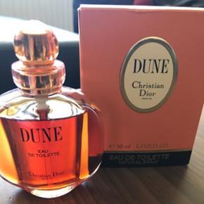 Christian Dior - Dune.50ml edt. Der er brugt en lille smule.  Nypris 500kr