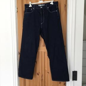 28d10abf484 H&M x Eytys Jeans til salg STR: 34 Brugt få gange MP: 150kr BIN