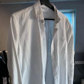 God Samsø Samsø skjorte, som sælges da jeg ikke selv kan få den brugt. Super god stand.