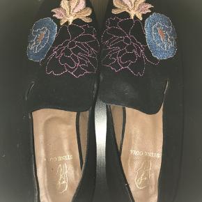 Fine loafers som jeg aldrig har brugt  Køber betaler for fragt :)  BYD gerne
