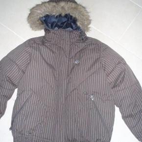 Five Seasons jakke  Brand: FIVE seasons Varetype: dunjakke Farve: brun, se billed  Fed Dunjakke i meget flot stand
