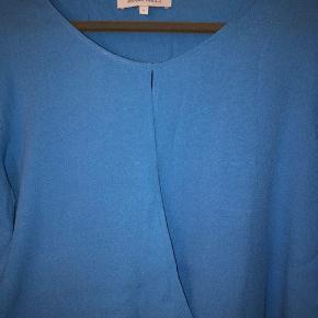 Lille i størrelsen, men super flot blå farve!