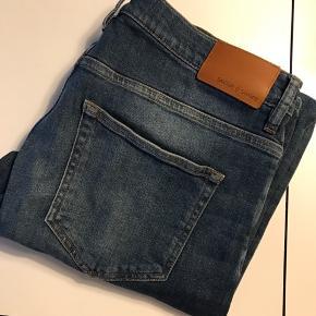 Samsøe Samsøe bukser sælges som aldrig er brugt. De er kun prøvet på. Nypris var 800 kr. Størrelsen er W34 og L32.