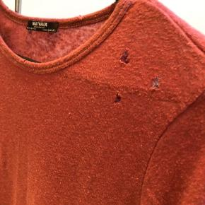 Fin bluse fra zara med hullede detaljer
