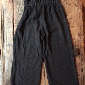 Dejlige varme smarte bukser med seler.
