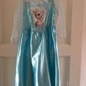 Disney Elsa fra Frost udklædningskjole str 5-6 år. Røgfrit og dyrefrit hjem.