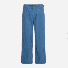 Fløjlsbukser. Str.26 i jeansstørrelse