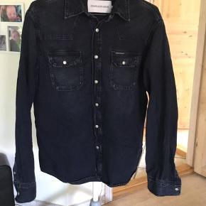 Fin skjorte, vasket ca 5 gange. Nypris 800kr