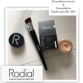 Meget meget koncentreret foundation fra Rodial & foundation børste fra Shelas. Samlet for begge kr. 220,- fast pris.