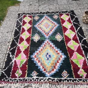 NY Håndlavet Marokkansk tæppe Bomulds tæppe, Marokkansk tæppe,  boucherouite tæppe, Kan vaskes i vaske maskine.  De venligst mine andre annoncer  Levering eller forsendelse gratis. 14 dage bytte garanti  Mål 190 x 160 cm