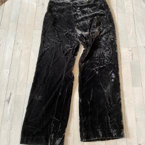 Vibeke Scott homewear