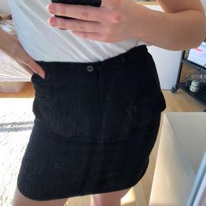 Second female fløjs nederdel